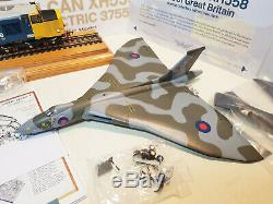 30-375 Bachmann OO Scale Avro Vulcan XH558 The Spirit Of Great Britian