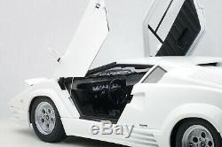 AUTOart 74537 Lamborghini Countach 25TH Anniversary Edition, White 118TH Scale