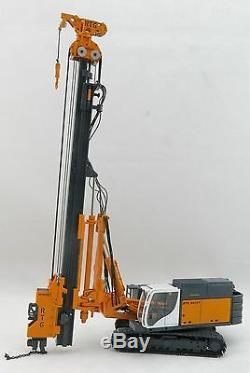 BYMO 25028 BAUER RTG RG 21 T Pile driver with telescopic leader Scale 150
