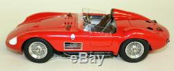 CMC 1/18 Scale M-105 Maserati 300 S 1956 Red Rennsportwagen Diecast model car