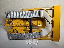 Caterpillar Cat D7 Dozer with Metal Tracks Reuhl 124 Scale Model
