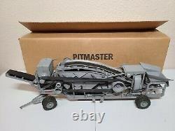 Cedarapids Pitmaster Rock Crusher Reuhl 124 Scale Model 1950's Original Box