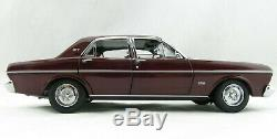 Classic Carlectables 18679 Ford XT GT Falcon Vintage Burgundy Scale 118