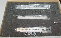 Con-Cor HO Scale Pioneer Zephyr Lettered 001-8721 Set Burlington's