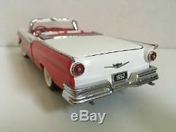 FRANKLIN MINT 1957 FORD FAIRLANE 500 SKYLINER 1/24 SCALE DIE-CAST CAR NEW WithCOA