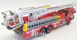 Franklin Mint 1/32 Scale Model Truck B11XN67 Pierce Snorkel Fire Engine