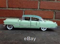 Franklin Mint 1955 Cadillac Fleetwood 124 Scale Diecast Limited Edition Car