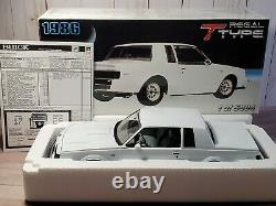 GMP 1986 Buick Regal T Type 118 Scale Diecast 8002 Model Car LE White