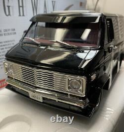 HIGHWAY 61 1/18 Scale 1976 Chevy CUSTOM Van LIMITED EDITION AND RARE