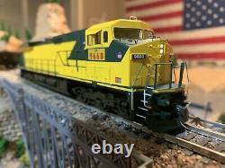 HO Scale Athearn Roundhouse Train Union Pacific Dash 9-44CW 9668 DCC Kadee NEW