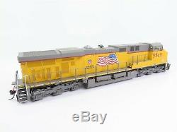 HO Scale InterMountain 49701-08 UP Union Pacific ES44AC Diesel Loco #5549 with DCC