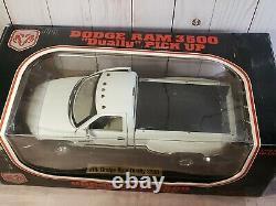 JRL Dodge Ram 3500 Dually V-10 Pickup Truck 118 Scale Diecast White 1997 Anson