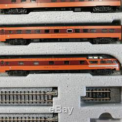 Kato 106-082, N Scale, Milwaukee Road Olympian Hiawatha 9-Car Set withUnitrack