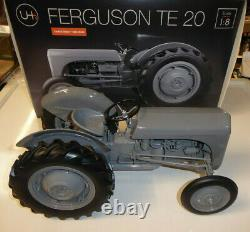 MODEL TRACTOR FERGUSON TE20 (LIMITED EDITION) 1/8th Scale By Universal Hobbies