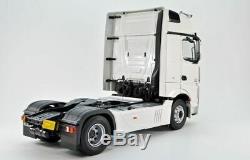 Mercedes Benz Actros Gigaspace 4x2 Truck 118 Scale Model Collectors Piece Bnib