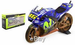 Minichamps Yamaha YZR-M1 Malaysia MotoGP 2017 Valentino Rossi 1/12 Scale