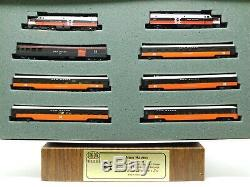 N Scale Con-Cor 0001-008517 NH New Haven McGinnis 6-Car Passenger Set withDiesels